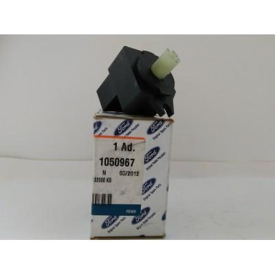 Выключатель оборотов вентилятора обдува Transit 91-00 (3 положения) 97BG 18578 DA  (пр-во FORD)