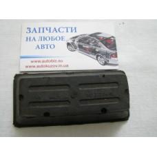 Подушка рессоры (передней/нижняя) MB Sprinter 96- (2-ох лист.) (L)