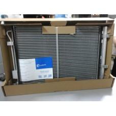 Радиатор кондиционера с ресивером (пр-во LUZAR) Solaris 1.4, 1.6 10- АКПП, МКПП